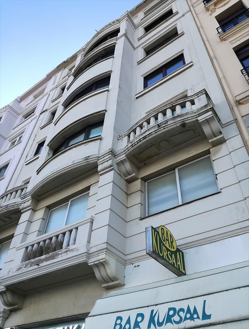 Rehabilitación de fachada en Zurriola 22 antes de las obras de innoETICS